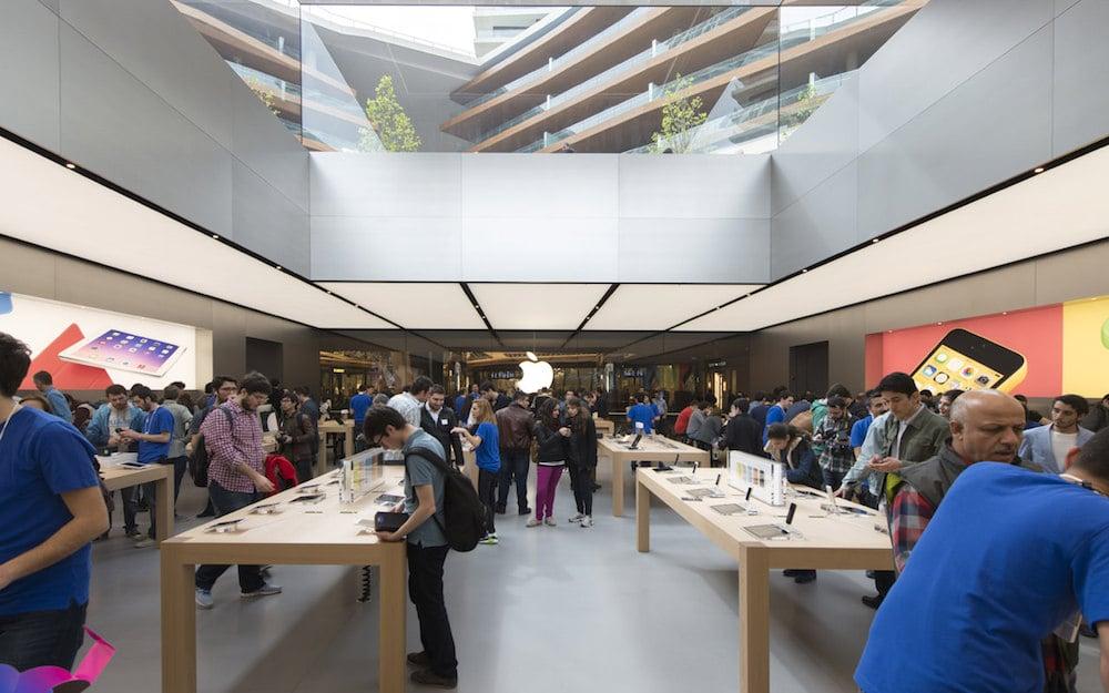 Interior de la nueva Apple Store Turquía