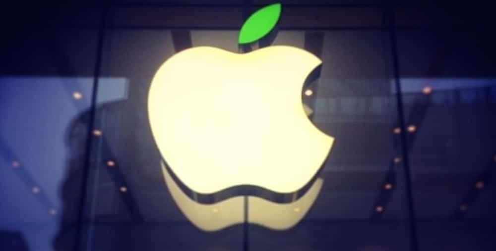 Logotipo de Apple en verde por el dia de la tierra 2014