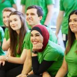 Camisetas verdes para celebrar el día de la tierra