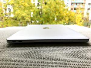 Lateral MacBook Pro 2016 Puertos-Howpple