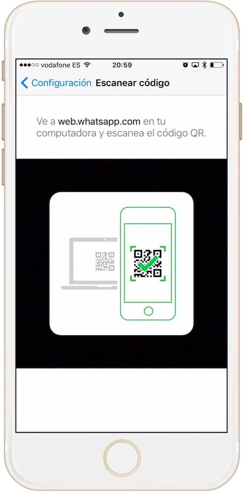 Código QR en iPhone de WhatsApp