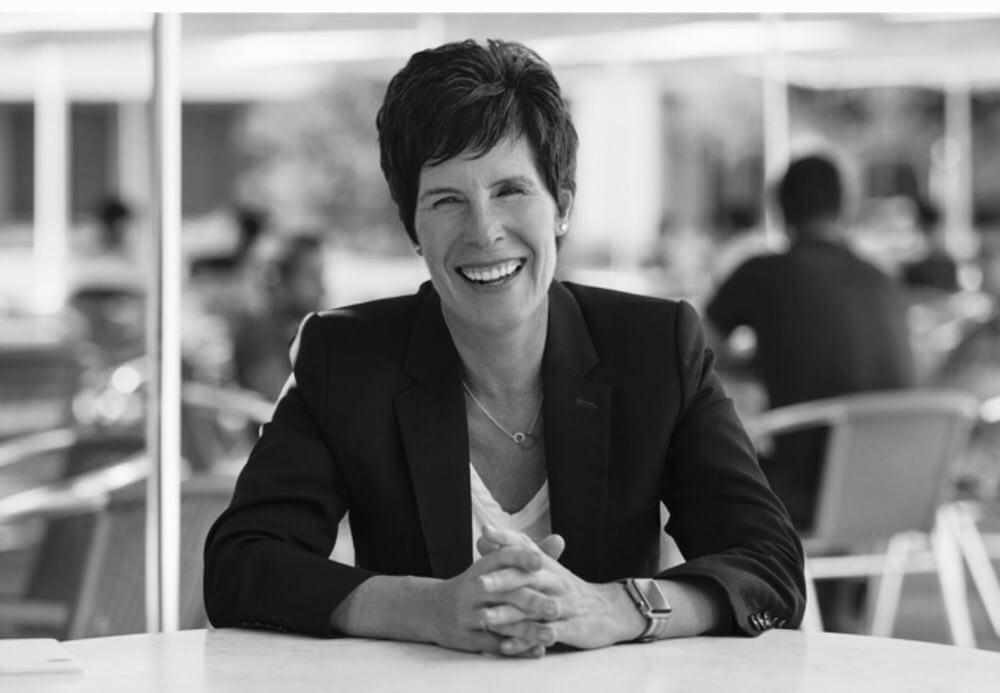 Deidre O Brien será la nueva directora de recursos humanos de Apple af2b25d580be7