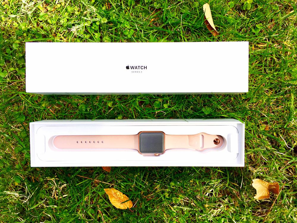 abriendo caja del Apple Watch Series 3 para análisis