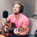 Pablo Alborán cantando en Beats 1
