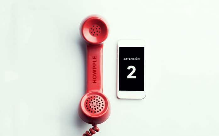 Cómo guardar un número de teléfono con extensión en iPhone