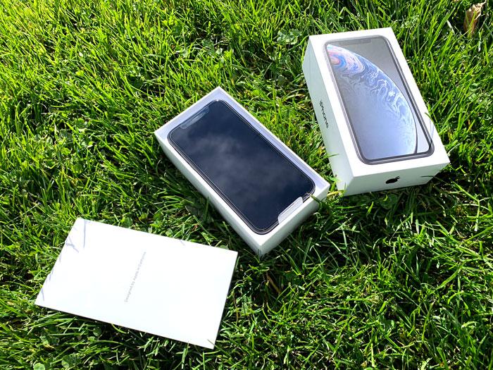 Contenido caja iPhone XR