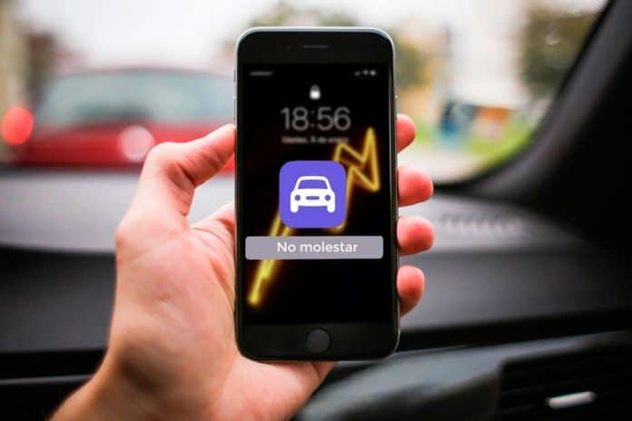 Cómo personalizar el mensaje del modo no molestar mientras conduces