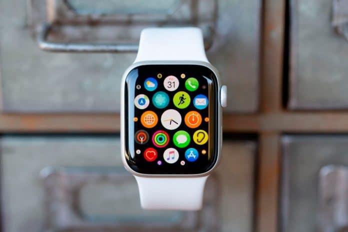 Cómo forzar la actualización de una aplicación en Apple Watch